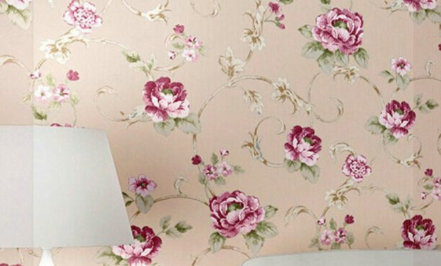 The Best Flower Wallpaper You Can Add to Your Room